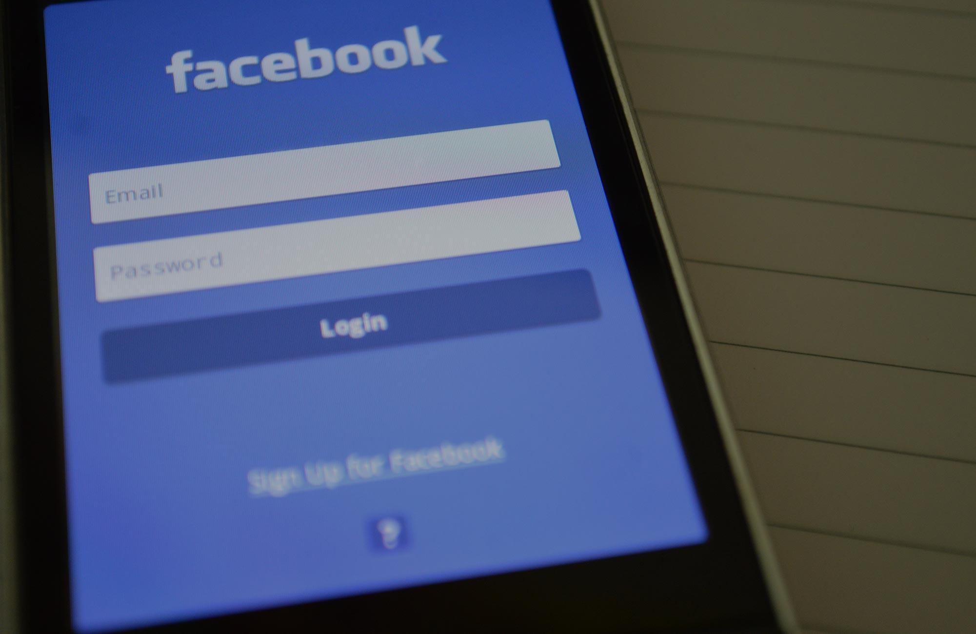 Vad är Facebooks minnessidor?